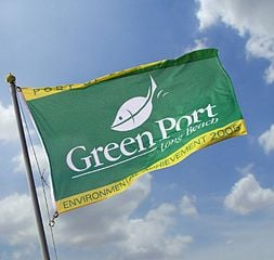 253px-Green_flag_port[1]